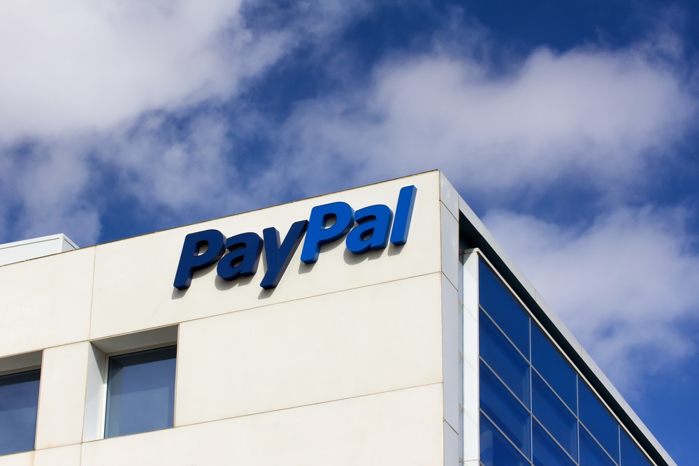 The Method of Payment in Binary Options Brokers by PayPal